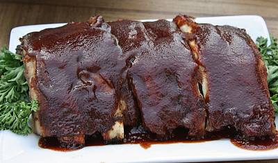 Que Photograph - Barbecue Ribs by Paulette Thomas