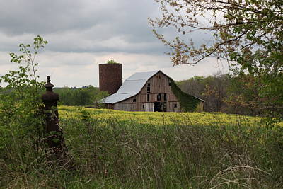 Photograph - Barn  1057 by Kathy Cornett