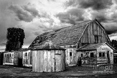 Photograph - Barn 66 by Michael Arend