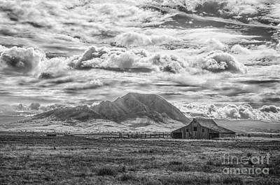 Barn And Bear Butte Art Print
