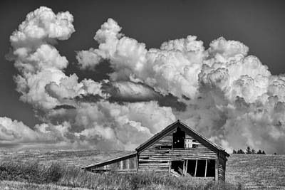 Contour Farming Photograph - Barn And Clouds by Latah Trail Foundation
