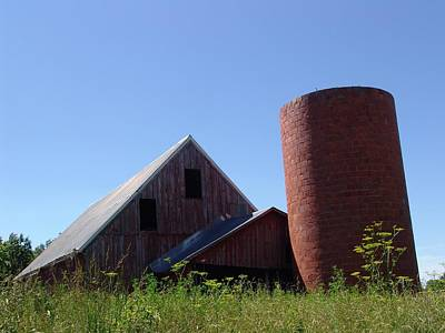 Photograph - Barn And Silo 2123 by Kathy Cornett