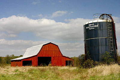 Photograph - Barn And Silo by Robert Camp