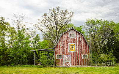 Photograph - Barn At Mule Trading Post Rolla Missouri by Deborah Smolinske