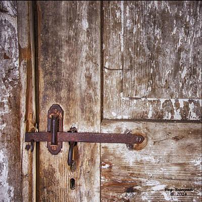 Photograph - Barn Door by Peg Runyan