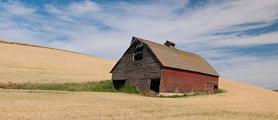 Whitmans Photograph - Barn In A Wheat Field, Colfax, Whitman by Panoramic Images