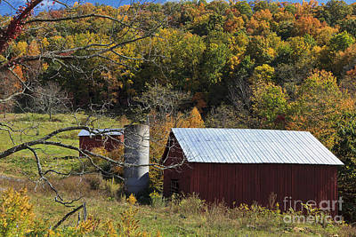 Photograph - Barn In The Fall by Jill Lang