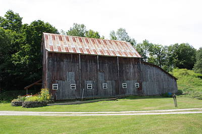 Photograph - Barn by Lucinda VanVleck