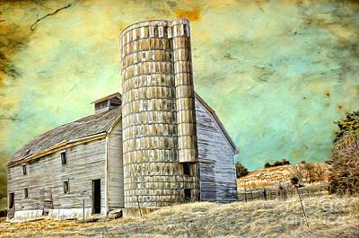 Photograph - Barn - Not Retired Yet - Kansas 24-40 by Liane Wright
