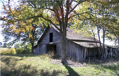 Photograph - Barn On A Hill by Robert Camp