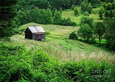 Hollow Photograph - Barn Pomfret Vermont by Edward Fielding