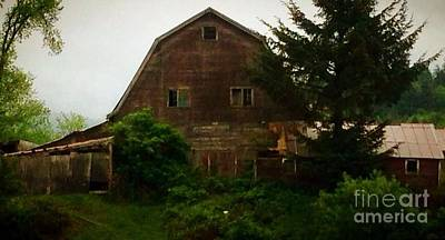 Photograph - Barn  by Susan Garren