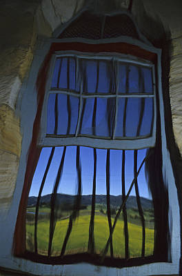 Photograph - Barn Window Of Opportunity by Doug Davidson