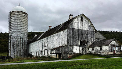 Barn With Silo Art Print