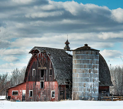 Country Scenes Photograph - Barn With Silo by Paul Freidlund