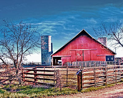 Photograph - Barn With Silos by William Havle