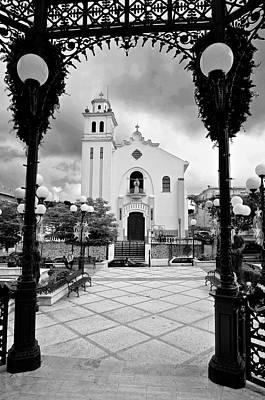 Photograph - Barranquitas 5618bw by Ricardo J Ruiz de Porras