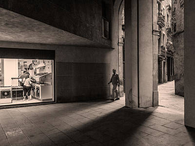 Photograph - Barri Del Born, Barcelona by Stefano Buonamici