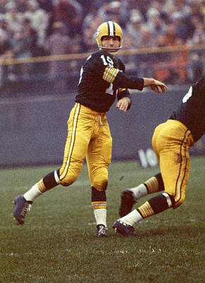 Football Photograph - Bart Starr Follows Through by Retro Images Archive