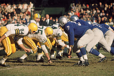 Sports Photograph - Bart Starr Lines Them Up by Retro Images Archive