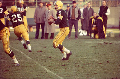 Bart Starr Ready To Throw Print by Retro Images Archive