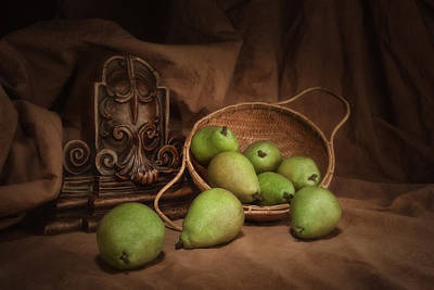 Fabric Art Photograph - Basket Of Pears Still Life by Tom Mc Nemar