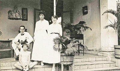 Batavia, Group Portrait On Front Porch Art Print by Artokoloro