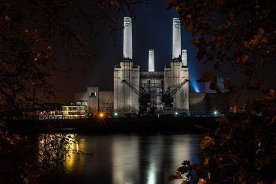 London Skyline Royalty-Free and Rights-Managed Images - Battersea Power Station Colour by Izzy Standbridge