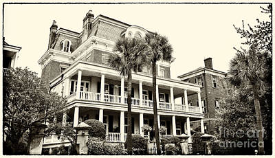 Photograph - Battery Carriage House Inn by Jill Lang