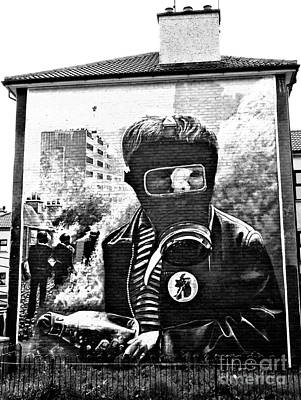 Battle Of The Bogside Mural Art Print