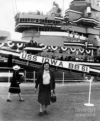 Photograph - Battleship Iowa by Joan Liffring-Zug Bourret