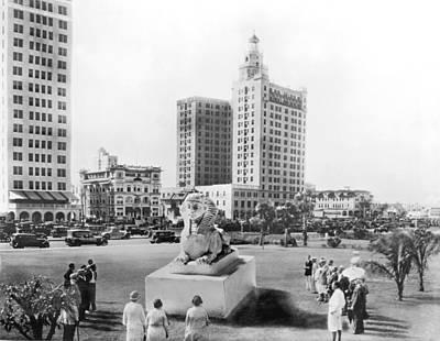 Bayfront Park Photograph - Bayfront Park In Miami by Underwood & Underwood