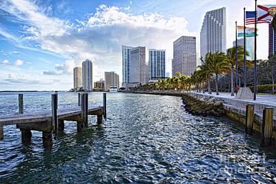 Eyzen Medina Photograph - Bayside Miami Right Side by Eyzen M Kim