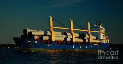 Photograph - Bbc Elbe by Ronald Grogan