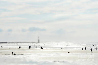 Beauty Photograph - Beach Life by Jochen Schoenfeld