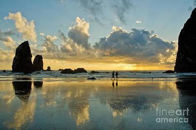 Nick Cannon Photograph - Beach Strolling by Nick  Boren