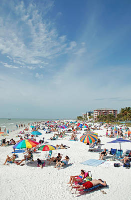 Color Photograph - Beachgoers At Fort Myers by Aimee L Maher Photography and Art Visit ALMGallerydotcom