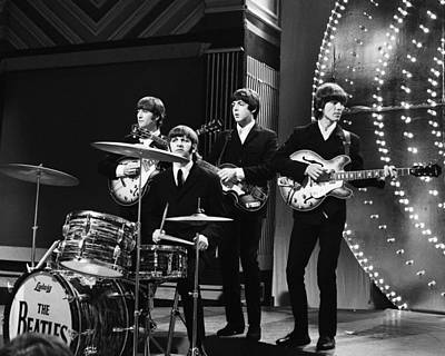 Perform Photograph - Beatles 1966 by Chris Walter