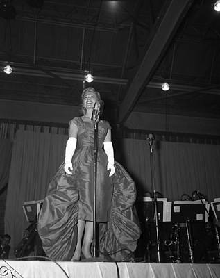 Big Band Photograph - Beautiful Dinah Shore On Stage by Retro Images Archive