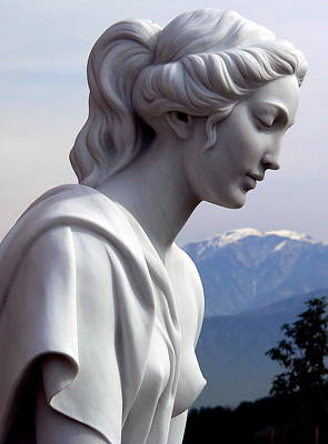 Photograph - Beautiful Girl Statue by Jeff Lowe