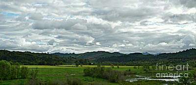 Photograph - Beautiful Green Valley by Mindy Bench