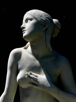 Photograph - Beautiful Nude Female Statue by Jeff Lowe