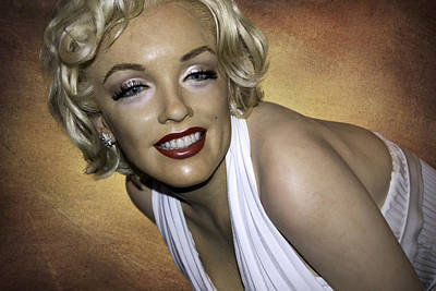 Photograph - Beauty Of 50s - Marilyn Monroe by Jatinkumar Thakkar