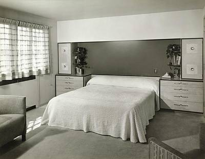 Midwest Photograph - Bedroom Designed By Architect Robert F Swanson by Hedrich Blessing