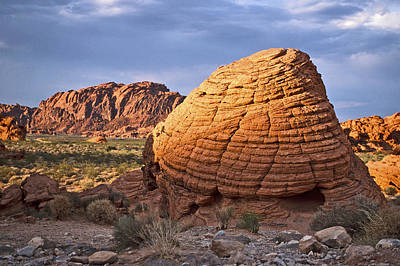 Valley Of Fire Photograph - Beehive Rock by Liz Leyden