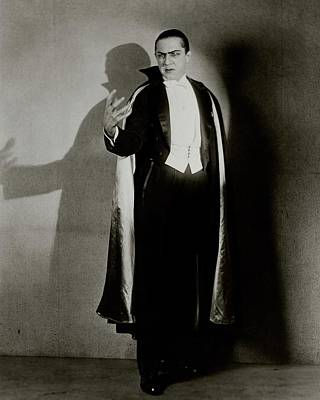 Black And White Photograph - Bela Lugosi As Dracula by Florence Vandamm