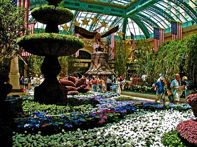 Photograph - Bellagio Gardens by Ricardo J Ruiz de Porras