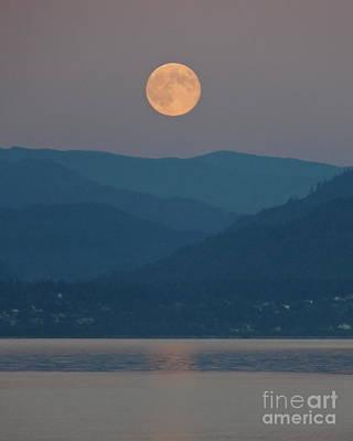 Photograph - Bellingham Bay Moonrise by A Cyaltsa Finkbonner