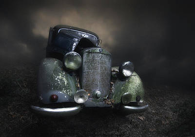 Rusty Photograph - Benz by Holger Droste
