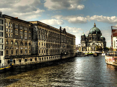 Photograph - Berlin And Spree by Alexander Drum